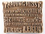 Bronzeplakette - Trauung heißt...