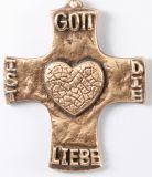 Bronzekreuz - Gott ist die Liebe